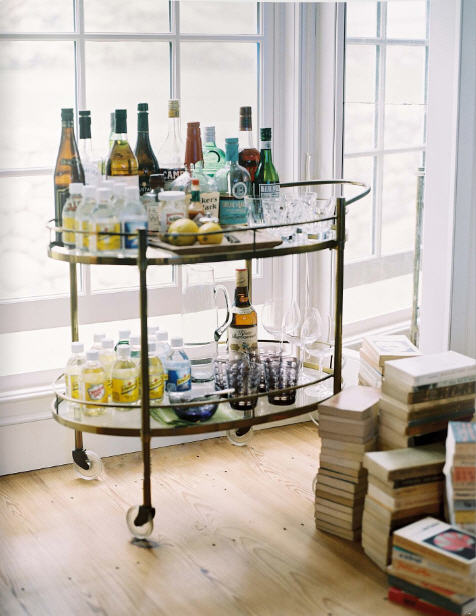 deborah-needleman-bar-cart-lonny